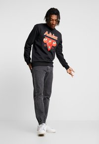 adidas Originals - BODEGA CAN CREW - Felpa - black - 1