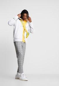 adidas Originals - REVEAL YOUR VOICE HOODY - Hettejakke - light grey heather - 1