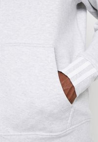 adidas Originals - REVEAL YOUR VOICE HOODY - Zip-up hoodie - light grey heather - 4