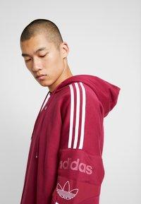 adidas Originals - HOODY - Bluza z kapturem - mystery ruby - 8