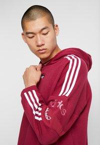 adidas Originals - HOODY - Bluza z kapturem - mystery ruby - 3