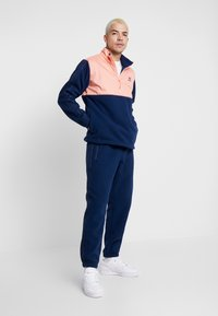 adidas Originals - WINTERIZED HALF-ZIP TOP - Fleecetrøjer - coll navy/chalk coral /ref silver - 1