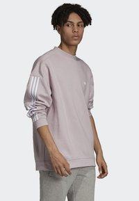 adidas Originals - TECH CREWNECK SWEATSHIRT - Sweater - purple - 3