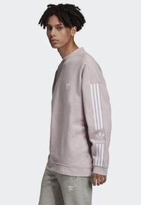 adidas Originals - TECH CREWNECK SWEATSHIRT - Sweater - purple - 2
