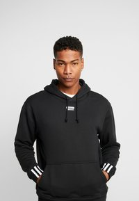 adidas Originals - HOODY - Sweat à capuche - black - 0