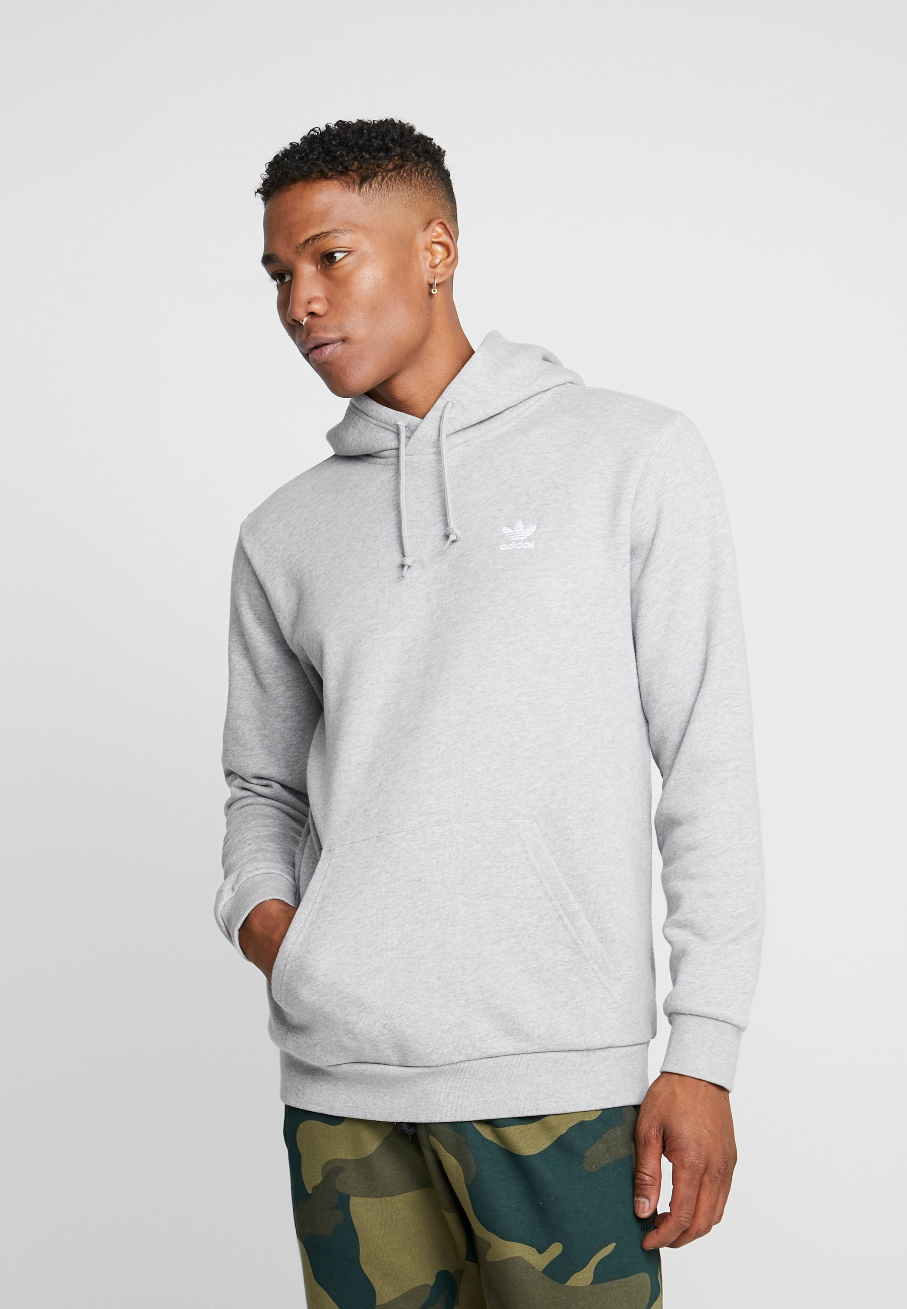 adidas Originals ESSENTIAL HOODY - Bluza z kapturem - medium grey heather