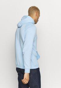 adidas Originals - ADICOLOR PREMIUM TREFOIL HODDIE SWEAT - Bluza z kapturem - clesky - 2