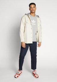 adidas Originals - ADICOLOR PREMIUM LONG SLEEVE PULLOVER - Sweater - medium grey heather - 1