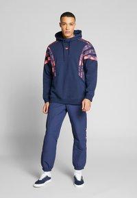 adidas Originals - FOOTBALL HOODIE - Sweat à capuche - blue - 1