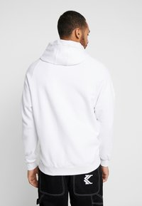 adidas Originals - ADICOLOR TREFOIL ORIGINALS HODDIE SWEAT - Bluza z kapturem - white - 2