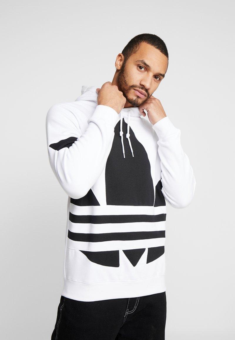 adidas Originals - ADICOLOR TREFOIL ORIGINALS HODDIE SWEAT - Felpa con cappuccio - white