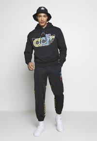 adidas Originals - Bluza z kapturem - black - 1