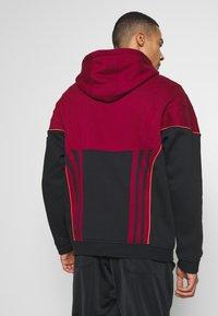 adidas Originals - Mikina skapucí - dark red - 2