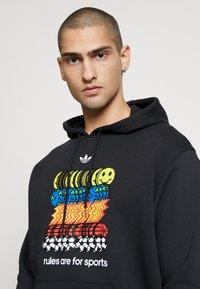 adidas Originals - Hoodie - black - 3