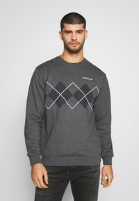 adidas Originals - ARGYLE CREWNECK LONG SLEEVE PULLOVER - Collegepaita - mottled dark grey - 0