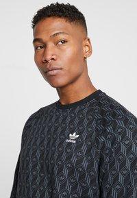 adidas Originals - MONO CREW - Sweatshirt - black - 3