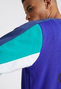 adidas Originals - Bluza - purple - 3