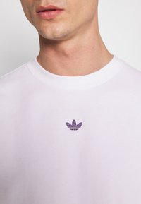 adidas Originals - SPORT COLLECTION LONG SLEEVE PULLOVER - Sweatshirt - white - 3