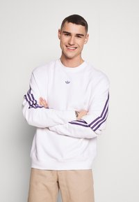 adidas Originals - SPORT COLLECTION LONG SLEEVE PULLOVER - Sweatshirt - white - 0