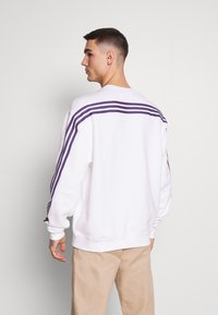 adidas Originals - SPORT COLLECTION LONG SLEEVE PULLOVER - Sweatshirt - white - 2