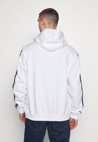adidas Originals - SPORT COLLECTION HODDIE SWEAT - Bluza z kapturem - white - 2