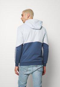 adidas Originals - OUTLINE HOODY - Mikina skapucí - grey - 2