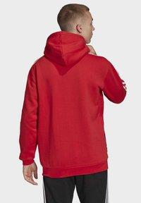 adidas Originals - STRIPES HOODIE - Huppari - red - 1