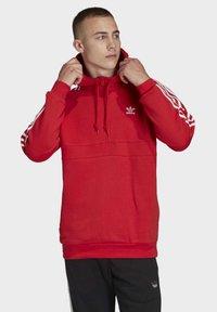 adidas Originals - STRIPES HOODIE - Huppari - red - 0