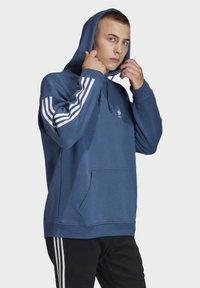 adidas Originals - HOODIE - Sweat à capuche - blue - 2