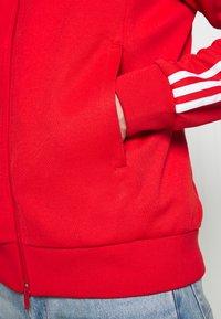 adidas Originals - SUPERSTAR ADICOLOR SPORT INSPIRED TRACK TOP - Giacca sportiva - lusred - 6