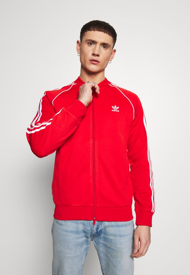 SUPERSTAR ADICOLOR SPORT INSPIRED TRACK TOP - Trainingsvest - lusred