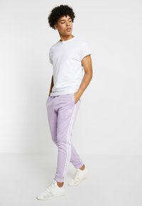 adidas Originals - Pantalon de survêtement - purple - 1