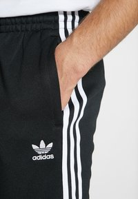adidas Originals - Joggebukse - black - 4