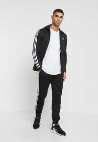 adidas Originals - Joggebukse - black - 1