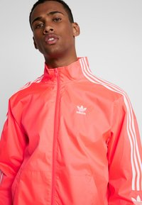 adidas Originals - TRACKTOP - Training jacket - flash red - 3
