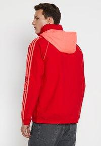 adidas Originals - Giacca sportiva - red - 3