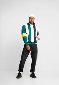adidas Originals - BAILER - Trainingsvest - legend ink/white/collegiate green - 1