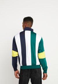adidas Originals - BAILER - Verryttelytakki - legend ink/white/collegiate green - 2