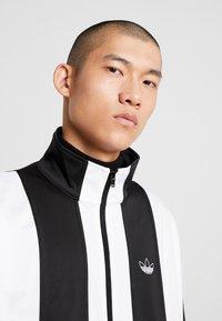 adidas Originals - BAILER - Chaqueta de entrenamiento - black/white - 3