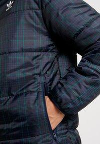 adidas Originals - ADICOLOR THIN PADDED BOMBERJACKET - Chaqueta de invierno - collegiate navy - 5