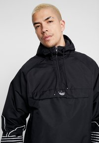 adidas Originals - OUTLINE - Windbreakers - black - 5