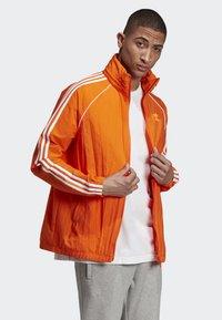 adidas Originals - SST WINDBREAKER - Giacca sportiva - orange - 3