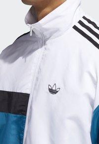 adidas Originals - Outdoor jacket - white - 5