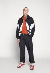 adidas Originals - TREFOIL - Kurtka wiosenna - black - 1