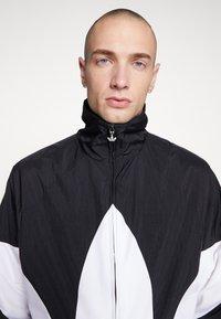adidas Originals - TREFOIL - Kurtka wiosenna - black - 3