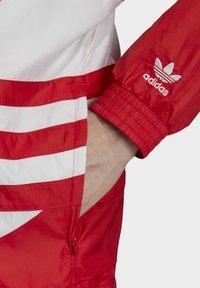 adidas Originals - Tuulitakki - red - 3