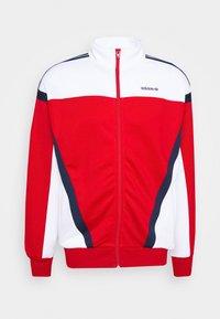 adidas Originals - CLASSICS  - Kurtka sportowa - scarle/white - 5