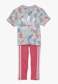 adidas Originals - TEE SET  - Leggings - multicolor/real pink - 0
