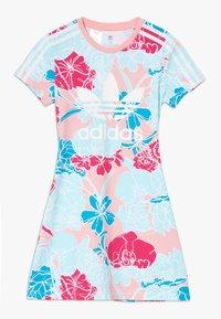 adidas Originals - DRESS - Robe en jersey - pink - 0