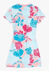 adidas Originals - DRESS - Robe en jersey - pink - 1